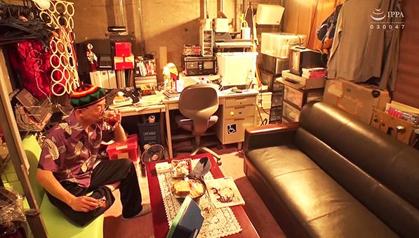 (羞恥)ババコス!(BBA)松坂◯子似のムチムチ巨乳奥さんを◯波レイにしてヤりた…